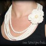 Crochet flower necklace - c..