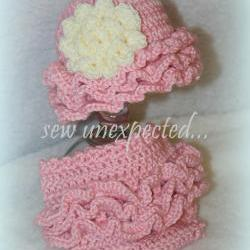 Lotsa Ruffles diaper cover and hat set